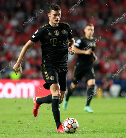 Stock Photo of Benjamin Pavard of Bayern München in action during the UEFA Champions League group E match between SL Benfica and Bayern Munchen at Estadio da Luz on October 20, 2021 in Lisbon, Portugal.  (Photo by Paulo Nascimento/NurPhoto)