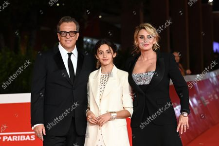The director Gabriele Muccino with his daughter Penelope Muccino and his wife Angelica Russo