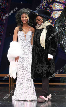 Zodwa Selele and Whoopi Goldberg