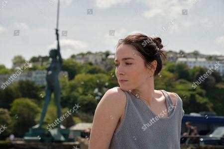 Siobhan Cullen as Caroline Reasley.