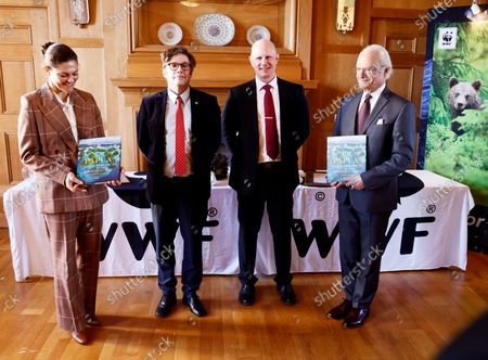 Crown Princess Victoria and King Carl Gustaf attend the WWF's annual meeting. Magnus Lundgren and Staffan Widstrand are then recipients of the Panda Book of the Year Awrd for their book Papua - among birds of paradise and devil rays.
