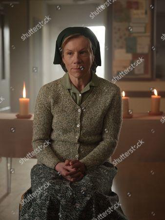 Stock Picture of Juliet Stevenson as Dorothy Venn.