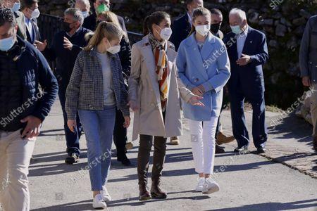 Queen Letizia Princess Leonor, Princess Sofia and King Felipe VI of Spain