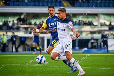 Ciro Immobile (Lazio) hindered by Koray Gunter (Verona)