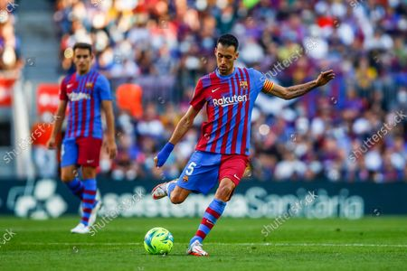 05 Sergio Busquets of FC Barcelona during the La Liga Santader match between FC Barcelona and Real Madrid at Camp Nou Stadium on October 24, 2021 in Barcelona.