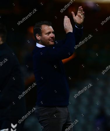 Final whistle celebrations from Darren Sarll, Manager of Yeovil Town after the National League Match between Yeovil Town and Woking at Huish Park on 26 Oct, 2021 in Yeovil, England (Photo by Mat Mingo/PPAUK)