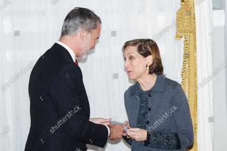 "Kings of Spain preside over the award ceremony of the ""Francisco Cerecedo"" Journalism Award, at the Mandarin Oriental Ritz Hotel in Madrid on October 26, 2021.  King Felipe VI ; Anne Applebaum"