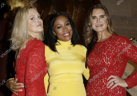 Stock Picture of Actresses Ali Wentworth, left ,Karen Pittman and Brooke Shields arrive on the red carpet at American Ballet Theatre's Fall Gala at the David H. Koch Theater on Tuesday, October 26, 2021 in New York City.       .