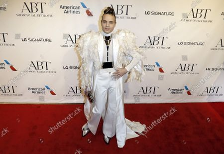 Theatre Producer Jordan Roth arrives on the red carpet at American Ballet Theatre's Fall Gala at the David H. Koch Theater on Tuesday, October 26, 2021 in New York City.       .