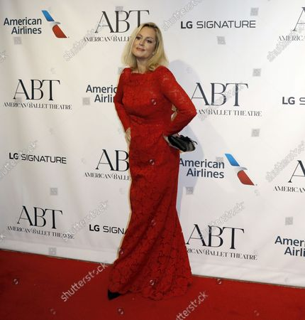 Actress Ali Wentworth arrives on the red carpet at American Ballet Theatre's Fall Gala at the David H. Koch Theater on Tuesday, October 26, 2021 in New York City.       .