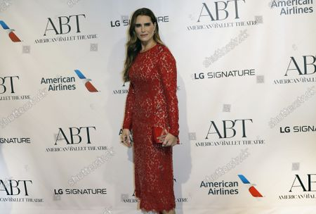 Actress Brooke Shields arrives on the red carpet at American Ballet Theatre's Fall Gala at the David H. Koch Theater on Tuesday, October 26, 2021 in New York City.       .