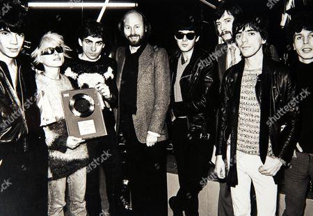 Chris Wright with Blondie - Jimmy Destri, Deborah Harry, Chris Stein, Clem Burke, Frank Infante and Nigel Harrison