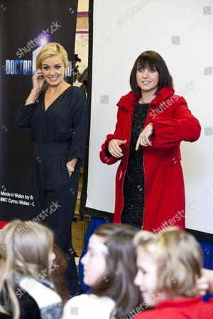 Katherine Jenkins with newsreader Lucy Owen and schoolchildren
