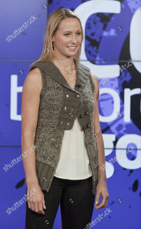 Editorial photo of 'Daybreak' TV Programme, London, Britain. - 16 Dec 2010