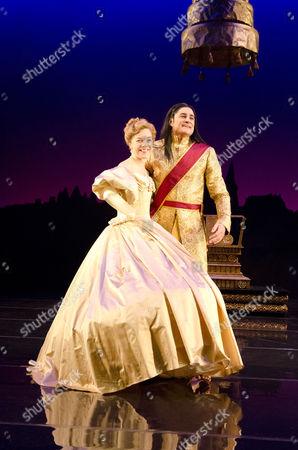 Janie Dee (Anna), Chook Sibtain (The King)
