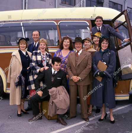 (L-R) Isla Blair as Caroline Lime, John Harding as Peter Lime, Helen Pearson as Polly, Andy Serkis as Greville, Pam Ferris as Ma Larkin, David Jason as Pop Larkin, Gabby Neiers Lloyd as Sadie Crimson, Charmian May as Gerry Lubbock, Danny McGrath as George and Amanda Mealing as Cynthia McCracken.