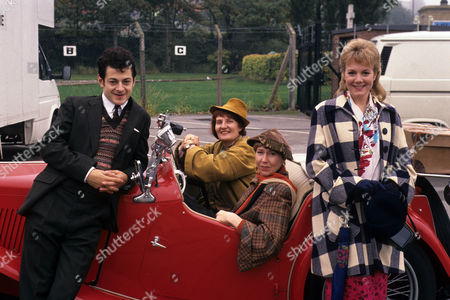(L-R) Andy Serkis as Greville, Charmian May as Gerry Lubbock, Gabby Neiers Lloyd as Sadie Crimson and Helen Pearson as Polly