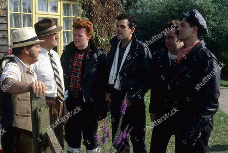 David Jason as Pop Larkin, Moray Watson as Brigadier, Paul Loughran as Ginger, Guy Fithen as Kurt, Colin R Campbell as Vince and Saul Jephcott as Nelly