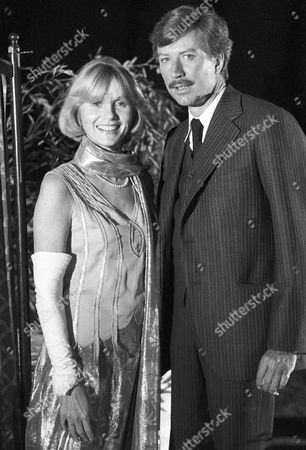 Robin Ellis as Howard Carter and Eva Marie Saint as Sarah Morrissey