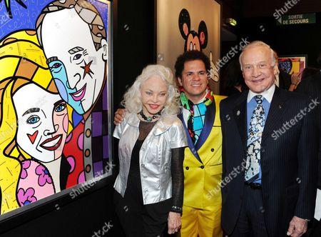 Romero Britto (c) with Buzz Aldrin and wife Lois Driggs Cannon