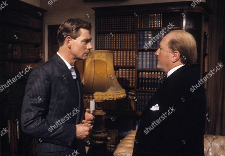 Robert Hardy as Winston Churchill and Anthony Andrews as David Windsor, Prince of Wales