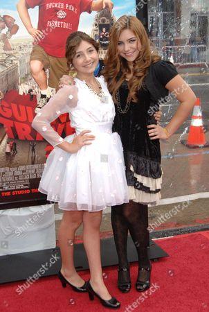 Jennessa Rose and sister Julianna Rose