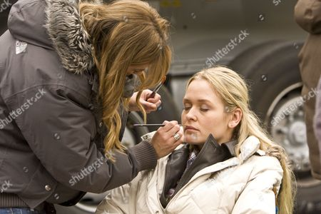 JUDITH HOERSCH as Vicki.behind the scenes, make up