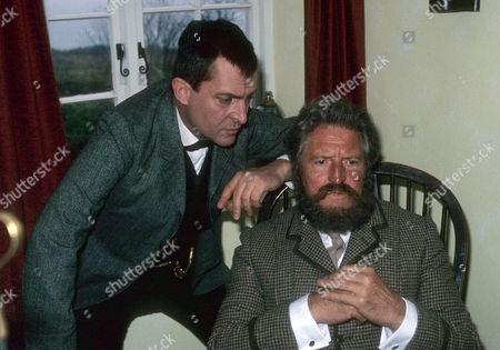 The Devil's Foot Picture shows - Jeremy Brett as Sherlock Holmes and Denis Quilley as Dr Leon Sterndale