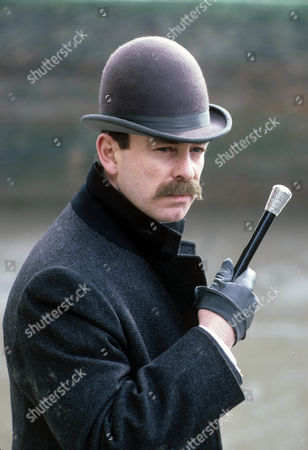 Stock Picture of The Man with the Twisted Lip Picture shows - Denis Lill as Inspector Bradstreet