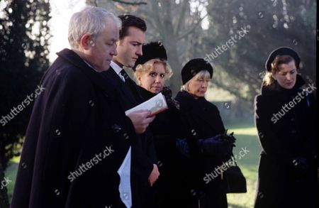 Ep 3 - Thief in the Night Vicar [Alan Rothwell], PC Nick Rowan [Nick Berry], Ruby Rowan [Diane Langton], Eileen [Anne Stallybrass], Maggie [Kazia Pelka]