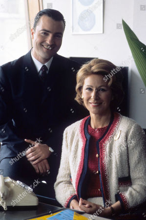 Episode  9 - Catch us if you Can Nick Berry as PC Nick Rowan and Jane How as Anita Setters