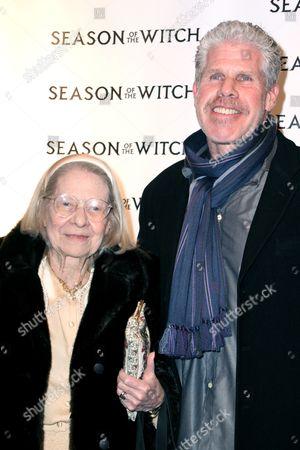 Stock Photo of Dorothy Perlman, Ron Perlman