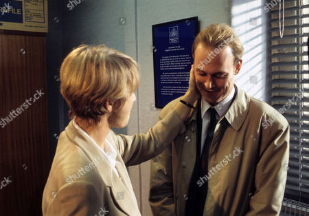 Helen Mirren as DCI Jane Tennison and Andrew Woodall as DI Brian Dalton