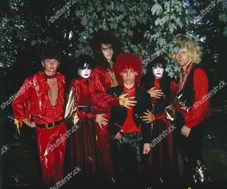 Doctor and The Medics - Richard Searle, Clive Jackson (The Doctor), Steve Ritchie and Steve McGuire with Wendy West and Colette Appleby aka the Anadin Brothers