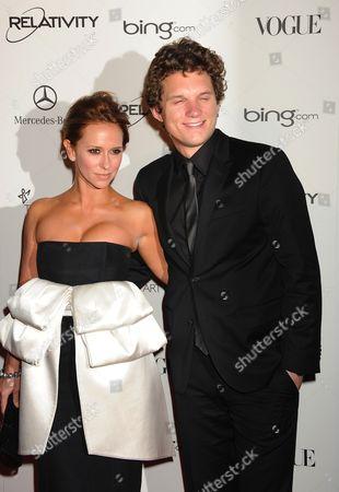 L-R Jennifer Love Hewitt, Alex Beh