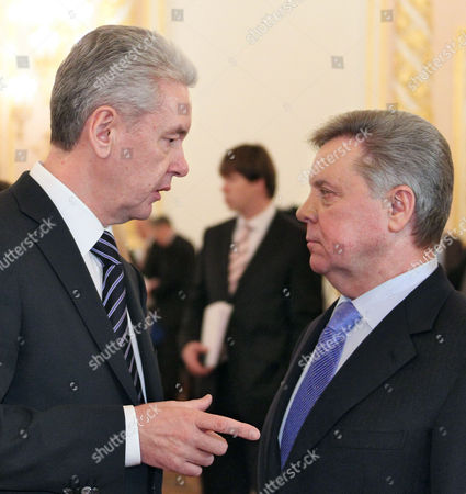 Mayor of Moscow Sergei Sobyanin (left) and the Moscow Region Governor Boris Gromov