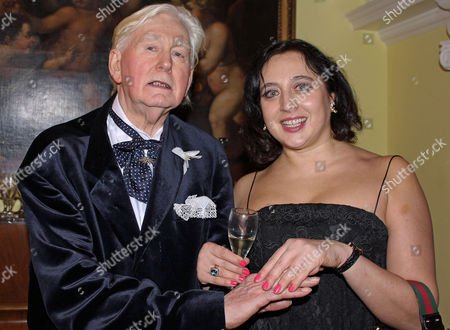 Stock Image of Guest with Hanna Morton