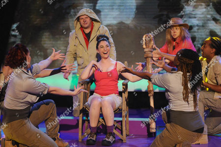 Paul Burling as Sean Ryder, Eve Webster as Gillian McKeith and Jessica Robinson as Stacey Solomon in a Wimewoh/I'm A Celebrity sketch
