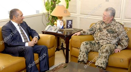 Ahmad Mukhtar, Federal Minister for Defence meets with General Volker Wieker, Chief of Defence Staff, German Armed Forces