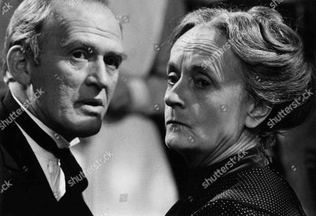 Gordon Jackson as Mr Hudson and Patsy Smart as Roberts