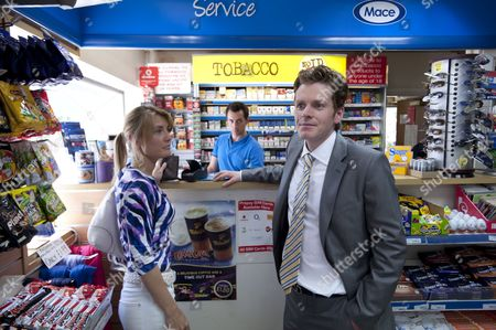Sally Oliver as Kerry and Shaun Evans as David