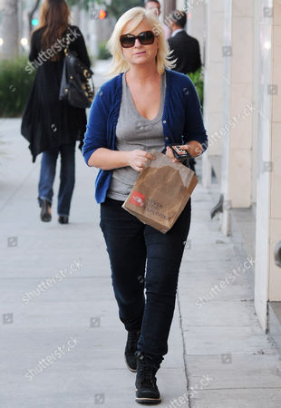 Editorial photo of Amy Poehler and son Abel James Arnett shopping, Beverly Hills, America - 25 Jan 2011