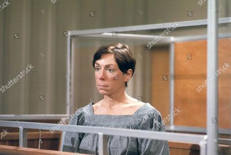Freda Dowie as Helen Lord