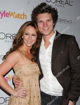 Stock Picture of Jennifer Love Hewitt and boyfriend Alex Beh
