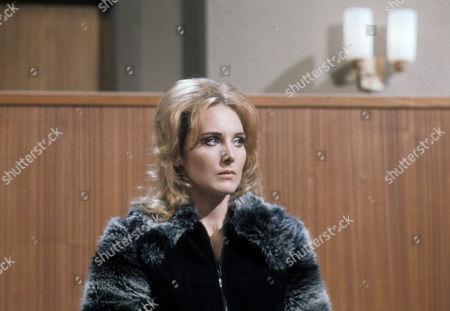 Elizabeth Counsell as Rita Davey