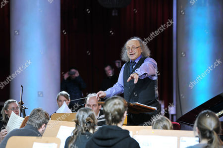 Arkady Berin and the International Symphony Orchestra of Germany
