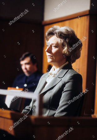 Kathleen Byron as  Anne Sutcliffe