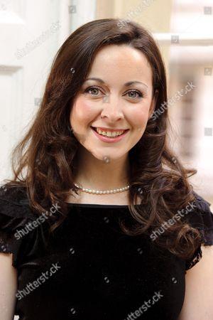 Sarah Earnshaw