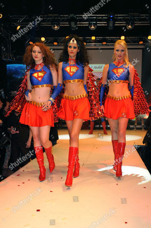 Stock Picture of Alisar Ailabouni (middle) with two other models