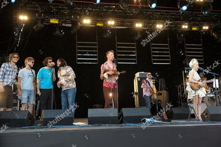 Beth Jeans Houghton on the Park Stage joined by Stornoway
